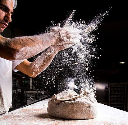Brotteig verarbeiten - EDI-Lösungen für Felber